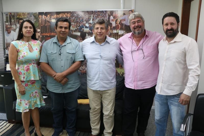 Deputado Lídio Lopes recebe categoria para tratar sobre a Policia Penal Estadual