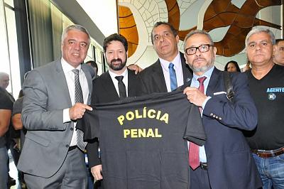Sinsap participa de lançamento de Frente que discute privatização e Policia Penal